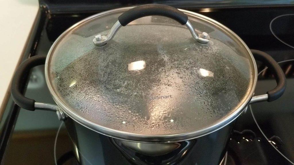 3 minute cook time - steam rising - boil egg